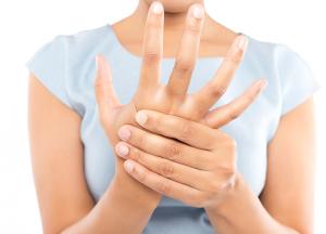 Soigner une arthrite avec les huiles essentielles