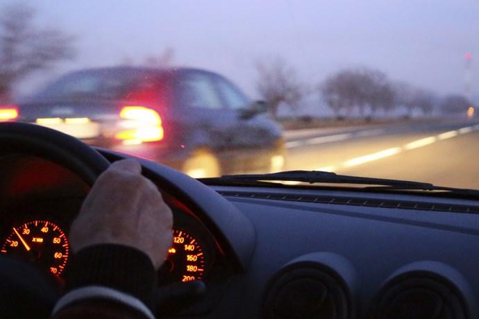 Comment mieux se concentrer, être vigilant sur la route avec des huiles essentielles naturelles bio ? Trouver la concentration pour conduire automobile voiture. Remède naturelle.