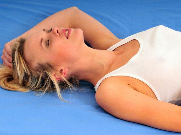 Comment augmenter le plaisir du corps avec des huiles essentielles remède naturel bio ? Augmenter fortifier son désir, plaisir du corps.