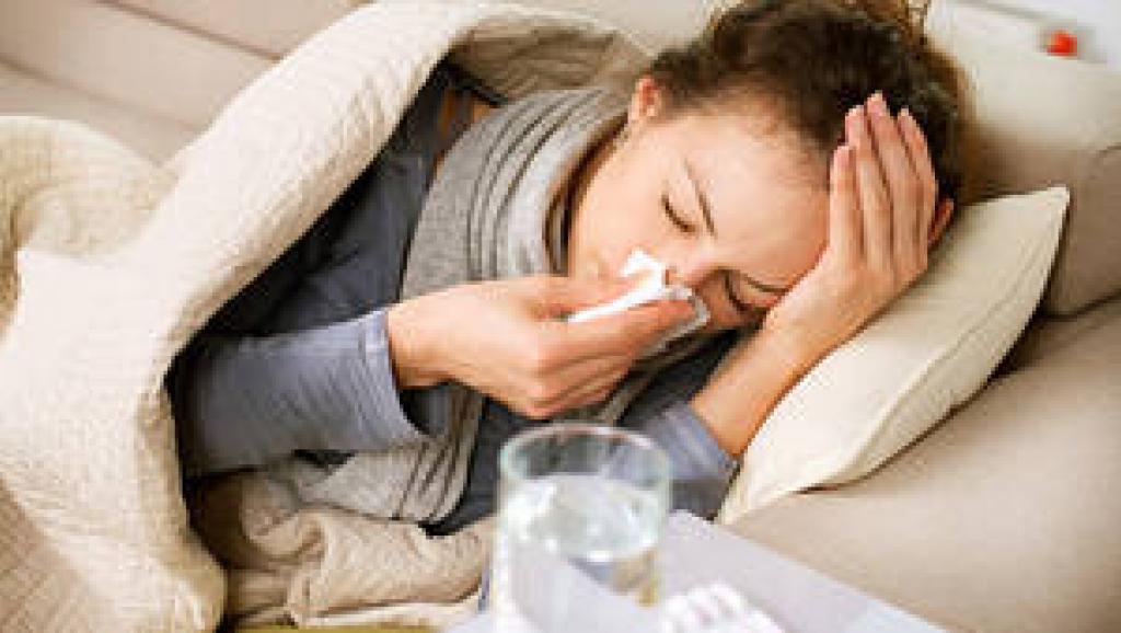 Grippe comment se soigner naturellement avec des huiles essentielles bio remedes de grand mere conseil et astuce pour guérir