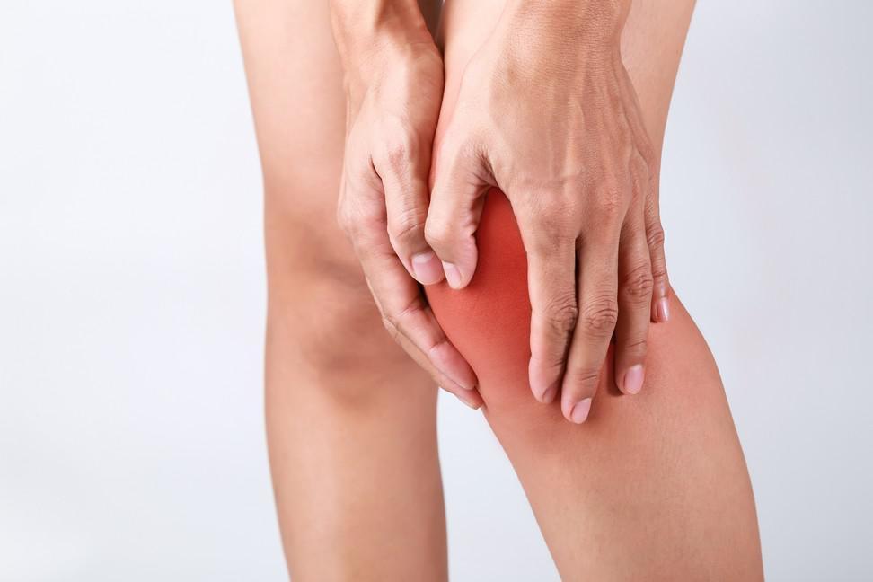 Soigner une douleur au genou avec les huiles essentielles