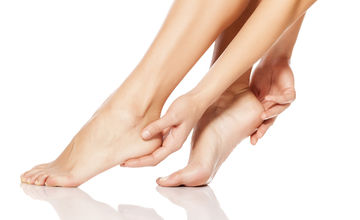crevasses main pieds doigt comment les traiter commentles soigner rapidement avec des huiles essentielles bio remède naturel de grand mère